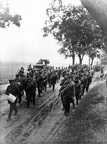 sowieci-w-marszu-na-polske